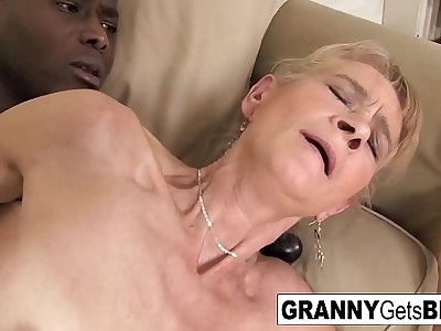 Old blonde gets a nice anal internal ejaculation from a BBC