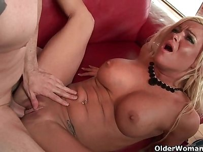 Blow your load in cougar Krista's mouth