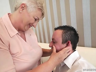Obese mom licking her lover's asshole
