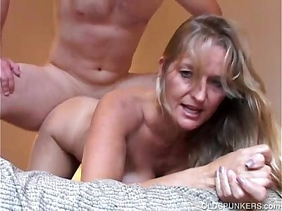 Beautiful mature blond Vickie enjoys a magnificent afternoon fuck