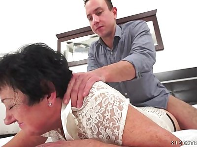 Mature Julienne penetrated by a youthfull guy
