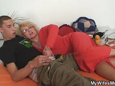 Wifey finds him fucking her old mom