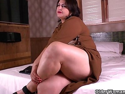 Latina moms get wild in nylon pantyhose