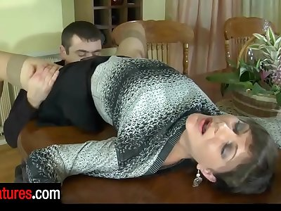 Good-looking cougar invites her hung neighbor for a guzzle and a hardcore fuck